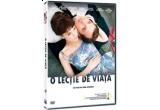"""un DVD cu filmul """"O lectie de viata"""""""