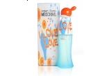 un set de parfum Moschino I Love Love