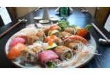 un voucher cu valoare de 100 lei pentru o masa la Restaurant Zen Sushi