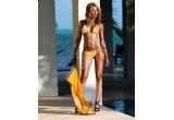 6 x un costum de baie de la Triumph si o lotiune reparatoare dupa plaja Avene