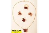 <b>13&nbsp;seturi de bijuterii oferite de </b><a target=&quot;_blank&quot; rel=&quot;nofollow&quot; href=&quot;http://www.tria-alfa.ro&quot;><b>Tria Alfa</b></a>