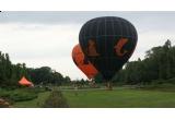 10 x un zbor cu balonul in orasul tau (concurs 1), 3 x un zbor liber cu balonul in weekendul 9-10 octombrie in apropiere de Bucuresti (transportul pana la Bucuresti si inapoi este asigurat de Orange)