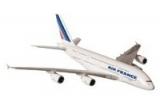 2 bilete de avion Bucuresti Paris si retur, 4 x o macheta Airbus A380 model scara 1:250, 5 x o macheta Airbus A380 model scara 1:1000