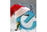"500 Euro la ""Christmas Gifts 2010"""