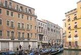 2 bilete de avion pentru un weekend la Venetia