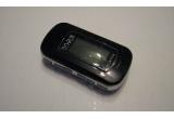 un MP3 player 512M cu acumulator in pachet complet (player, casti, incarcator, cablu USB)