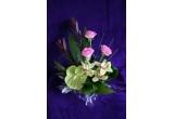 un buchet de flori personalizat pentru 8 Martie