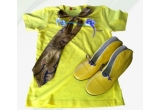 1 x set cu tricou The 70-S Were So Cool + o cravata chic urban + o brosa UNICAT + o pereche de botine Made by Coca Zaboloteanu