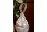 1 x poseta de mireasa cu ornamente florale si aplicatii de perlute