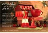 1 x cana KATI roșie, 1 x Petite Ribbon Box Warming Joy, 1 x Cafe Cup in cutie de lemn