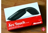 1 x Mouse Microsoft Arc Touch, 1 x USB Flash Disk de 4GB Dell/Intel