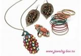 1 x set de produse Jewelry-Box (cerceii Golden Leaf + colierul Showtime + bratarile Hot Bangles + inelul Cupcake)