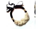 1 x colier realizat din perle
