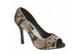 1 x o pereche de pantofi de seara oferita de Ivory
