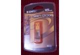 """un stick EMTEC de 16 GB, un banner publicitar<br type=""""_moz"""" />"""