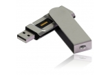 1 x un stick USB de 16 GB