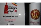 1 x o cutie cu 6 STICLE de vin bun de la Crama Oprisor, 1 x 2 STICLE de vin bun de la Crama Oprisor, 1 x o STICLA de vin bun de la Crama Oprisor