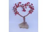 1 x un copacel lucrat manual din sarma de cupru, perle de sticla rosii si chipsuri de aventurin