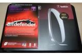 1 x licenta BitDefender Total Security 2013, 1 x router Belkin