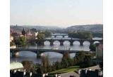 5 x excursie la Praga pentru 2 persoane, 1 x sticla Staropramen de aur (sau contravaloarea ei in lei: 3000 EUR), 28.000 x bax bere Staropramen (6 doze 0.5L/bax)