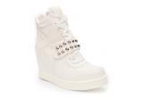 52 x modelul preferat din colectia Standard Shoes