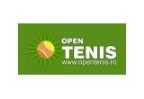 2 mingi semnate de asii tenisului romanesc, un rucsac Lotto<br />