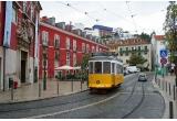 1 x 3 bilete de avion la Lisabona + cazare + intrare gratuita o zi in parcul pentru copii KidZania