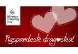 3 x voucher Buongiorno de 100 lei, 4 x cina romantica, 10 x pachet produse cosmetice L'occitane, 30 x produs cosmetic Douglas