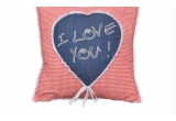 5 x perna fantezie pentru romantici, 3 x lenjerie de pat