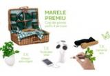 1 x set de picnic pentru 4 persoane, 1 x ghiveci auto-irigant, 1 x lanterna eco, 1 x incarcator solar