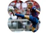1 x tricou cu autograful lui Andres Iniesta, 1 x boxa rezistenta la apa JBF, 1 x pereche de caști Beats