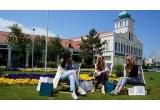 1 x experiența de shopping unica la Designer Outlet Parndorf + voucher de cumparaturi de 300 de euro