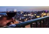 garantat: sticla de vin Budureasca Premium, 4 x sticla de vin spumant Prima Stilla ambalate in cutie si punga cadou, 1 x degustare de vinuri pentru 2 persoane la Crama Budureasca