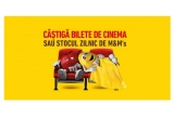 1 x Bilete la cinema pentru un an (24 de bilete= 2 bilete x 12 luni), 60 x 2 bilete la Cinema, 180 x cutie de bomboane M&M's 90g