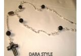 <p> 3 bijuterii Dara Style ( colier perle alb/negru, bratara elastica, cercei cu perle )<br /> </p>