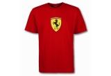 <p> un Tricou Ferrari , o Sapca McLaren, Macheta monopost Formula 1, 3 x tricouri cu inscriptia &quot;masini.ro&quot;, 3 x sepci cu inscriptia &quot;masini.ro&quot; <br /> </p>