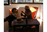 3 x set de mobilier pentru terasa (doua sezlonguri pliante si o masuta),  6 pack-uri de bere Redd's ( 24 beri in fiecare luna de vara pentru a avea asigurata buna dispozitie pe toata durata verii.)<br />