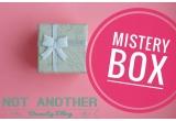 1 x cutie plina cu produse cosmetice surpriza de 100 lei
