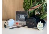 10 x premiu ce conține: boxa bluetooth JBL Go 2 + pereche casti pliabile Bluetooth personalizate #ComunitateaOrange + USB hub + pix tactil cu mina albastra + breloc lemn