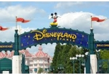 """1 x excursie la Disneyland Paris (4 bilete AirFrance pentru Paris (2adulti+2copii) + 2 nopti cazare la Disney Newport Bay Club de 4* + Bilete de acces pentru 3 zile la ambele Parcuri Disney® + Vouchere de mancare pentru mic dejun/ pranzuri/ cine + Invitație la gala """"Frozen Celebration"""" cu zone VIP pentru show-uri + intalnire privata 'Meet and Greet' cu personajele din """"Regatul de Gheața"""" make-up artiști și multe alte surprize magice"""