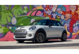 1 x masina electrica Mini Cooper SE Hardtop 2 Door 2020 + 10000 dolari US