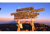 <p> Un tricou cu poza ta care va ajunge pe Kilimanjaro si va avea autograful alpinistilor Laurentiu Dragota si Andrei-Ionut Popescu, o zi de catarari alaturi de cei doi alpinisti;</p>