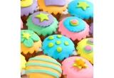 un set ceai care infloreste & ceainic adecvat, Sweets, cartea A history of temptation  + cutie trufe de ciocolata, cartea Big, soft, chewy cookies - retete de cookies delicioase