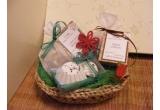 un sapun, un cos cadou cu doua sapunuri + un set de bile de baie efervescente, un set format dintr-un sapun + un set de bile de baie efervescente